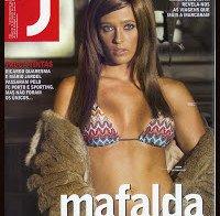 Mafalda Teixeira de biquini na Revista J