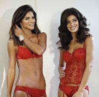 Luísa Beirão e Andreia Rodrigues de lingerie