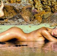 Candice Swanepoel nua (Maxim Março 2015)