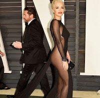Rita Ora praticamente nua (Óscares 2015)