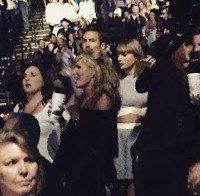 "Calvin Harris ""está mesmo apanhado"" por Taylor Swift"