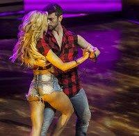 Laura Figueiredo no Dança Com as Estrelas também mostra rabo incrível
