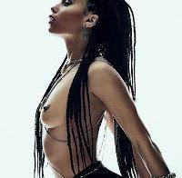 Zoe Kravitz topless na Flaunt Magazine
