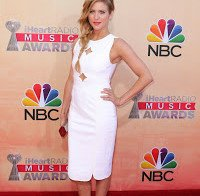 Brittany Snow nos iHeartRadio Music Awards