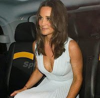 As mamas de Pippa Middleton (decote)