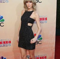 Taylow Swift nos iHeartRadio Music Awards
