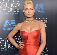 Jaime Pressly nos Critics Choice Television Awards