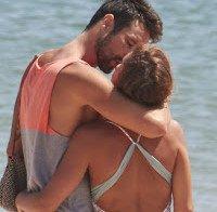 O rabo perfeito de Diana Chaves de biquini na praia (2015)