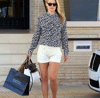 Ali Larter às compras em Beverly Hills