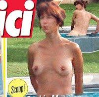 Sophie Marceau nua (apanhada por revista francesa)