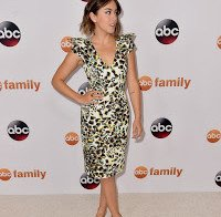 Chloe Bennet impressiona no ABC Press Tour