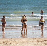 Pimpinha Jardim de biquini 2015 (na praia com família)
