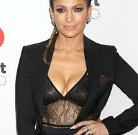 O grande decote de Jennifer Lopez