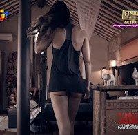 O rabo de Rita Pereira em lingerie (novela A Única Mulher)