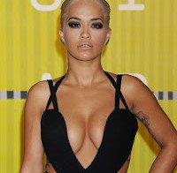 As mamas de Rita Ora não desiludem (MTV Video Music Awards 2015)