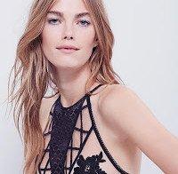 Mathilde Brandi em lingerie sexy