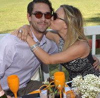 Ryan Sweeting quer dinheiro de divórcio de Kaley Cuoco