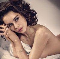 Emilia Clarke nua (mulher mais sexy do mundo segundo a Esquire)