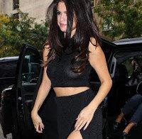Selena Gomez com os mamilos à vista
