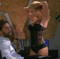 Sofia Arruda de lingerie sexy (série Os Nossos Dias)