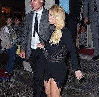 Jessica Simspon com vestido transparente