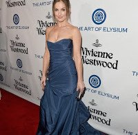 Minka Kelly na gala Heaven em Culver City