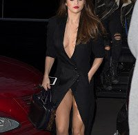 Upskirt de Selena Gomez em Paris