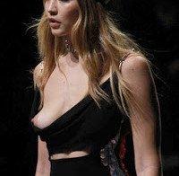 Nipple Slip de Gigi Hadid durante desfile