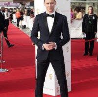 """Tom Hiddleston sobre encontrar uma mulher:""""Estou decididamente aberto à possibilidade"""""""