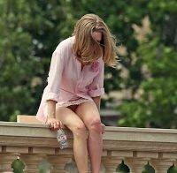 Amanda Seyfried mostra mais do que deseja