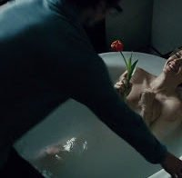 Amy Adams na banheira (2016)