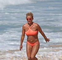 Os mamilos de Britney Spears (biquini na praia)