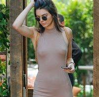Kendall Jenner sem sutiã