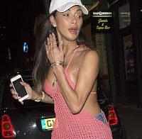 Nicole Scherzinger deslumbra em Los Angeles