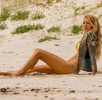 """Blake Lively de biquini no filme """"The shallows"""""""