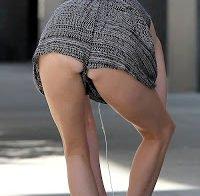 Elsa Hosk com vestido super-curto