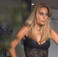Liliana Santos de lingerie (novela Rainha das Flores)