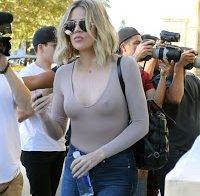 Mamilos de Khloé Kardashian mostram sinais de vida