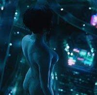 Scarlett Johansson em cena peculiar