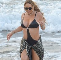 O mamilo de Mariah Carey (biquini na praia)