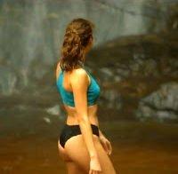 O corpo de Joana Verona em lingerie (2017)