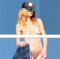 As mamas de Heidi Klum topless