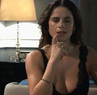 Dina Félix de lingerie (novela Ouro Verde)