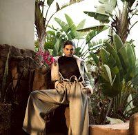 Kendall Jenner de camisola transparente