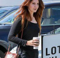 Lana Del Rey boa de roupa casual