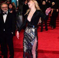 Sophie Turner deslumbra nos BAFTA