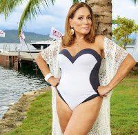 Susana Vieira de fato de banho aos 74 anos