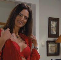 Rita Frazão de lingerie (2017)