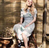 Dakota Fanning posa para a revista InStyle