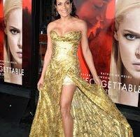 Rosario Dawson deslumbro com vestido